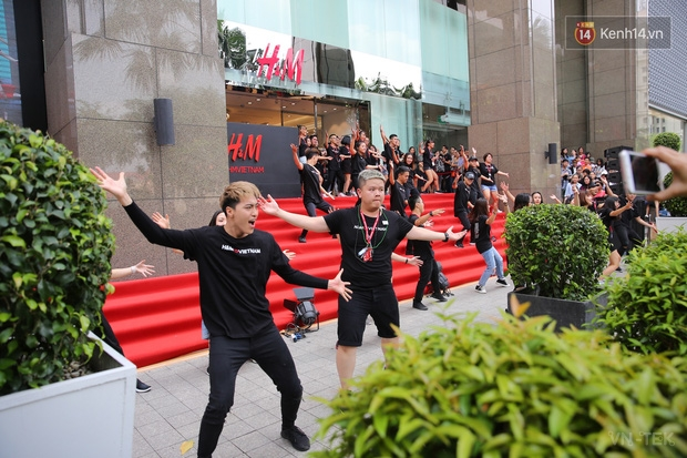 hm vietnam 10 - H&M Việt Nam đã chính thức mở cửa đón khách