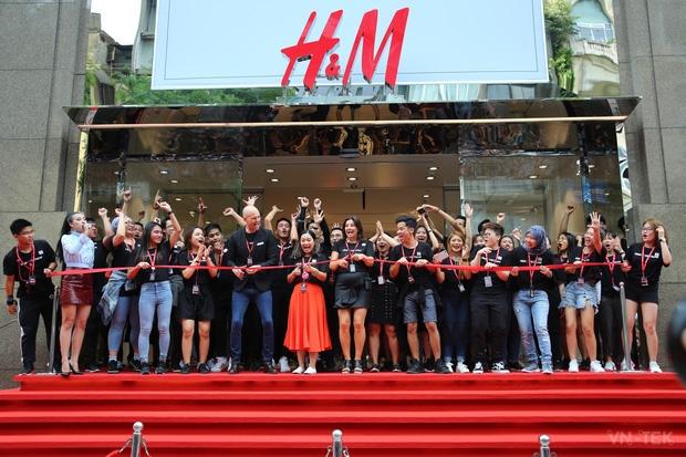 hm vietnam 11 - H&M Việt Nam đã chính thức mở cửa đón khách