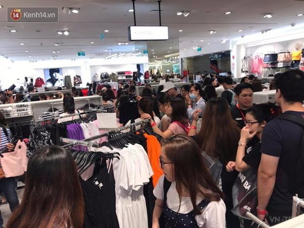 hm vietnam 15 - H&M Việt Nam đã chính thức mở cửa đón khách