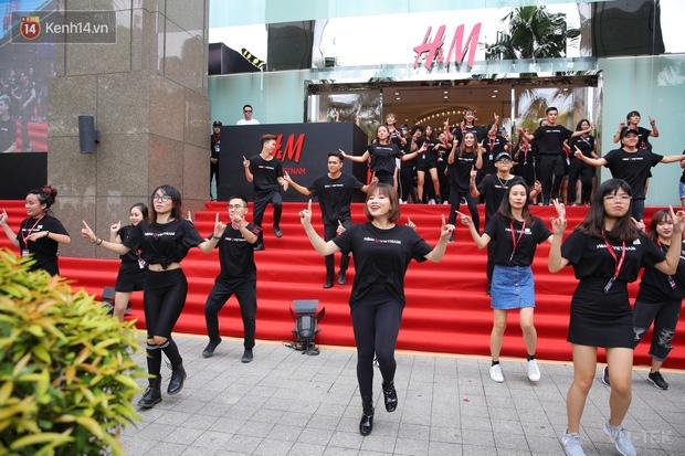 hm vietnam 9 - H&M Việt Nam đã chính thức mở cửa đón khách