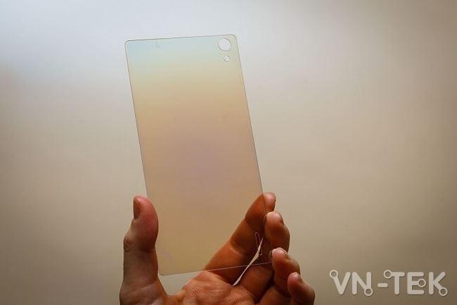 kinh kim cuong - Smartphone đầu tiên với màn hình kim cương sẽ ra mắt trong năm 2019