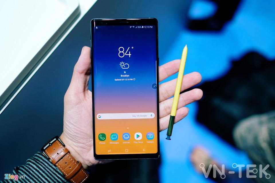 galaxy note9 1 - Galaxy Note9 vừa ra mắt: To, sắc sảo và thông minh hơn