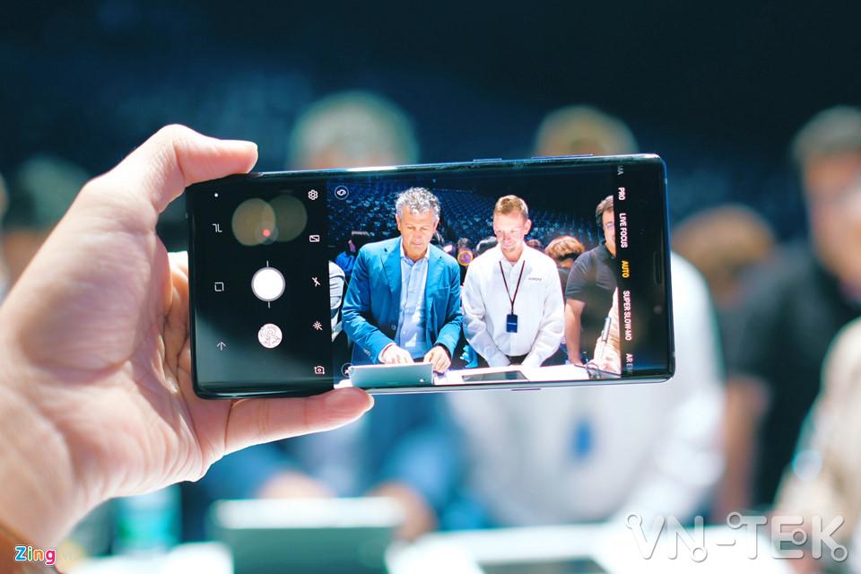 galaxy note9 4 - Galaxy Note9 vừa ra mắt: To, sắc sảo và thông minh hơn