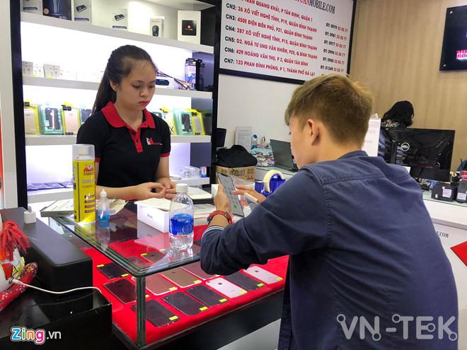 iphone xs gia lien tuc giam 2 - iPhone XS xách tay Mỹ về Việt Nam, giá tiếp tục giảm