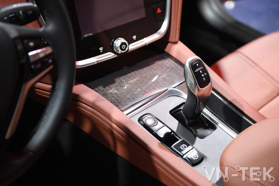 vinfast lux a2 10 - Xem nhanh nội thất 2 mẫu xe VinFast vừa ra mắt 2018