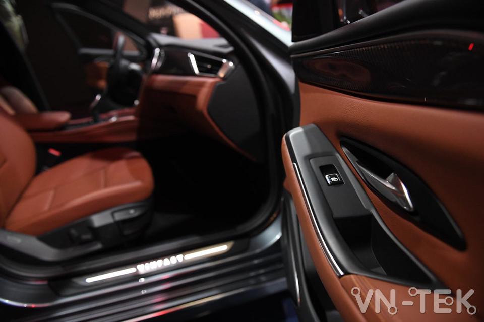vinfast lux a2 7 - Xem nhanh nội thất 2 mẫu xe VinFast vừa ra mắt 2018