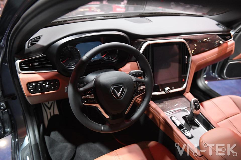 vinfast lux a2 8 - Xem nhanh nội thất 2 mẫu xe VinFast vừa ra mắt 2018