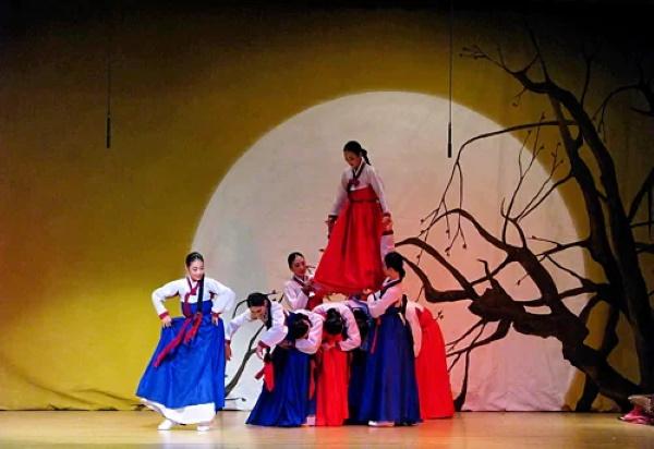 trung thu han quoc 1 - Những phong tục trong Tết Trung thu của người Hàn Quốc