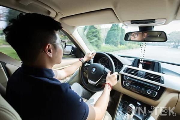 bmw 4 - Cảm giác cầm lái BMW sang trọng theo phong cách thể thao