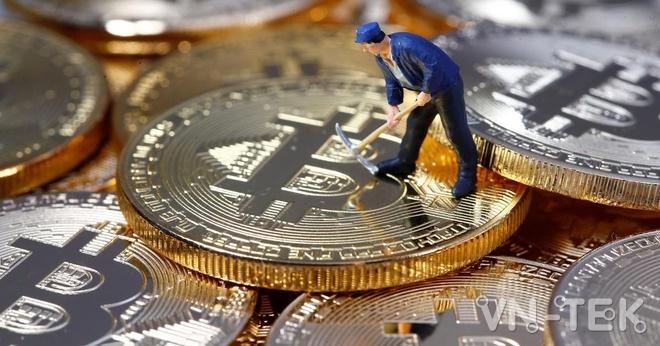 BitcoinReuters - Vì sao người Mỹ ồ ạt mua tiền mã hoá Bitcoin, Dogecoin